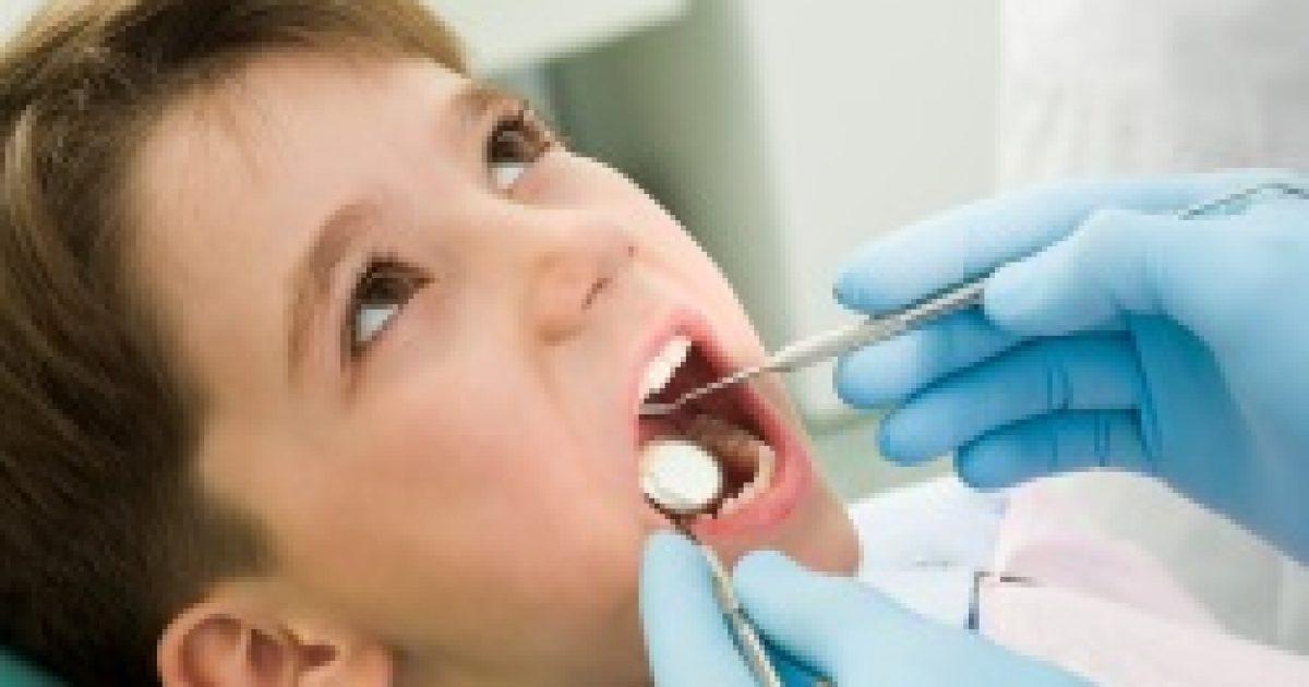 Csökkentheti a gyerekek félelmét a fúró nélküli fogászati technika