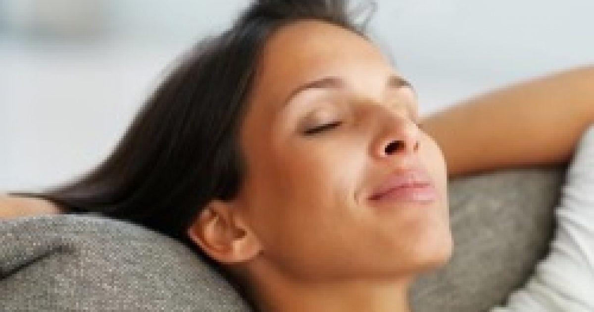 Hipnózis segítheti a mélyalvást?