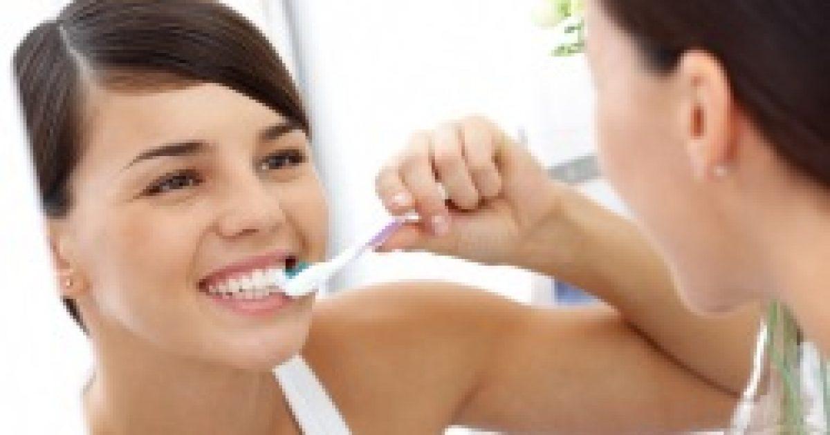 A szakemberek nem értenek egyet, hogyan kell fogat mosni