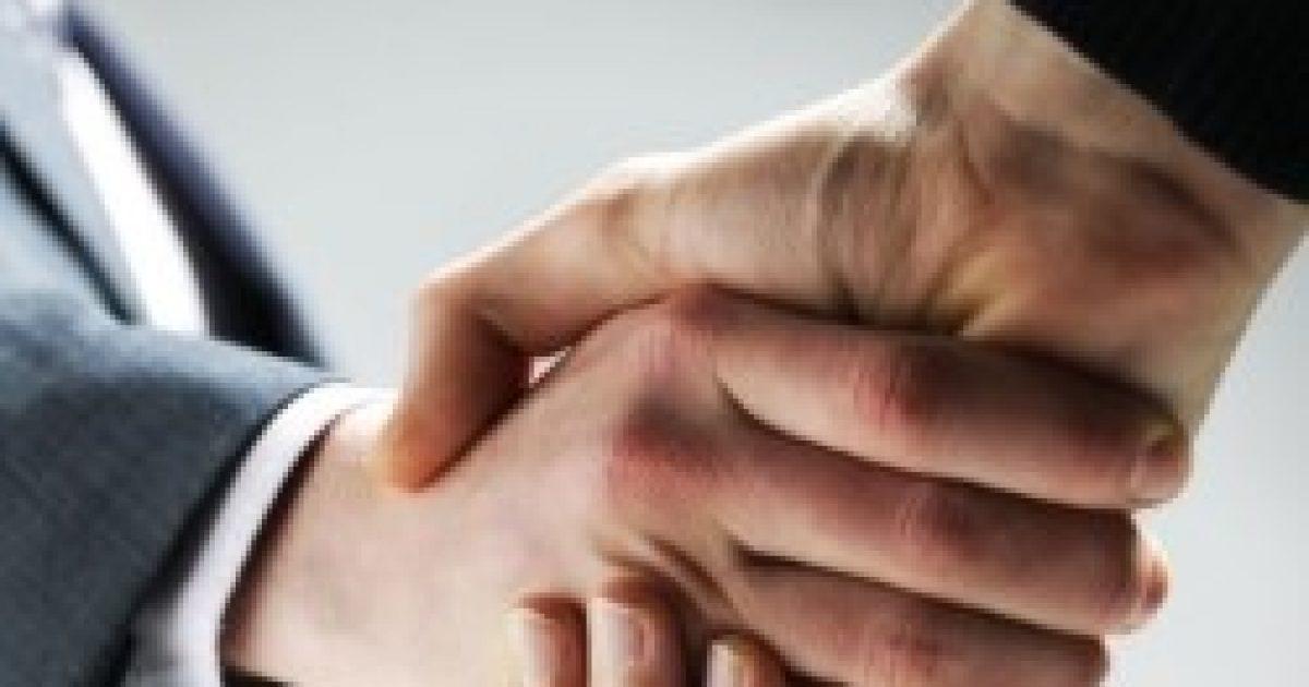 Nátha: a kézfogás veszélyesebb a csóknál