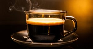Ezt tegye a reggeli kávéba a hasi zsírok ellen